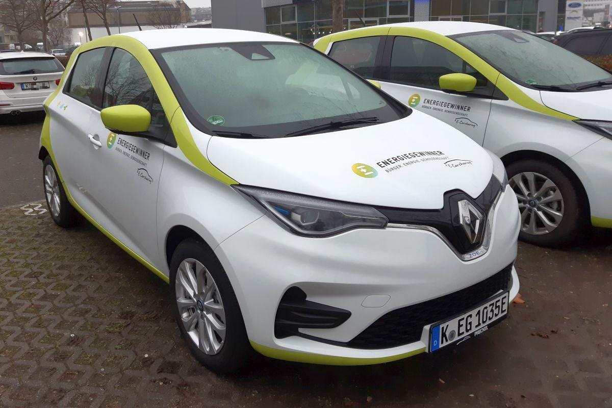 Carsharing-Fahrzeuge der Energiegewinner an der Station in Köln. Bild: Energiegewinner